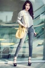 [ Người đẹp ] Phong cách đầu hè sành điệu của Trương Ngọc Ánh