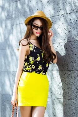 [ Người đẹp ] Linh Chi khoe street style mùa hè phóng khoáng