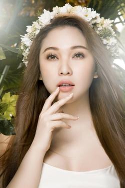 [ Người đẹp ] Quỳnh Thư khoe vẻ gợi càm sau khi giảm cân