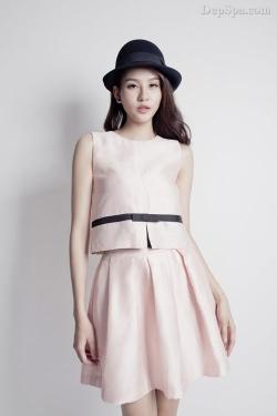 [ Người đẹp ] Phan Hà Phương trẻ trung với váy áo mùa hè