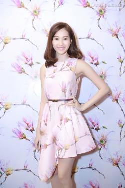 [ Người đẹp ] Sao Việt mặc đơn giản vẫn xinh như thiên thần