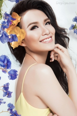 [ Người đẹp ] Hoa hậu Diễm Hương khoe nét đẹp 'gái một con'