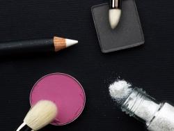 Mẹo giúp bạn thử xem mỹ phẩm có độc hại không